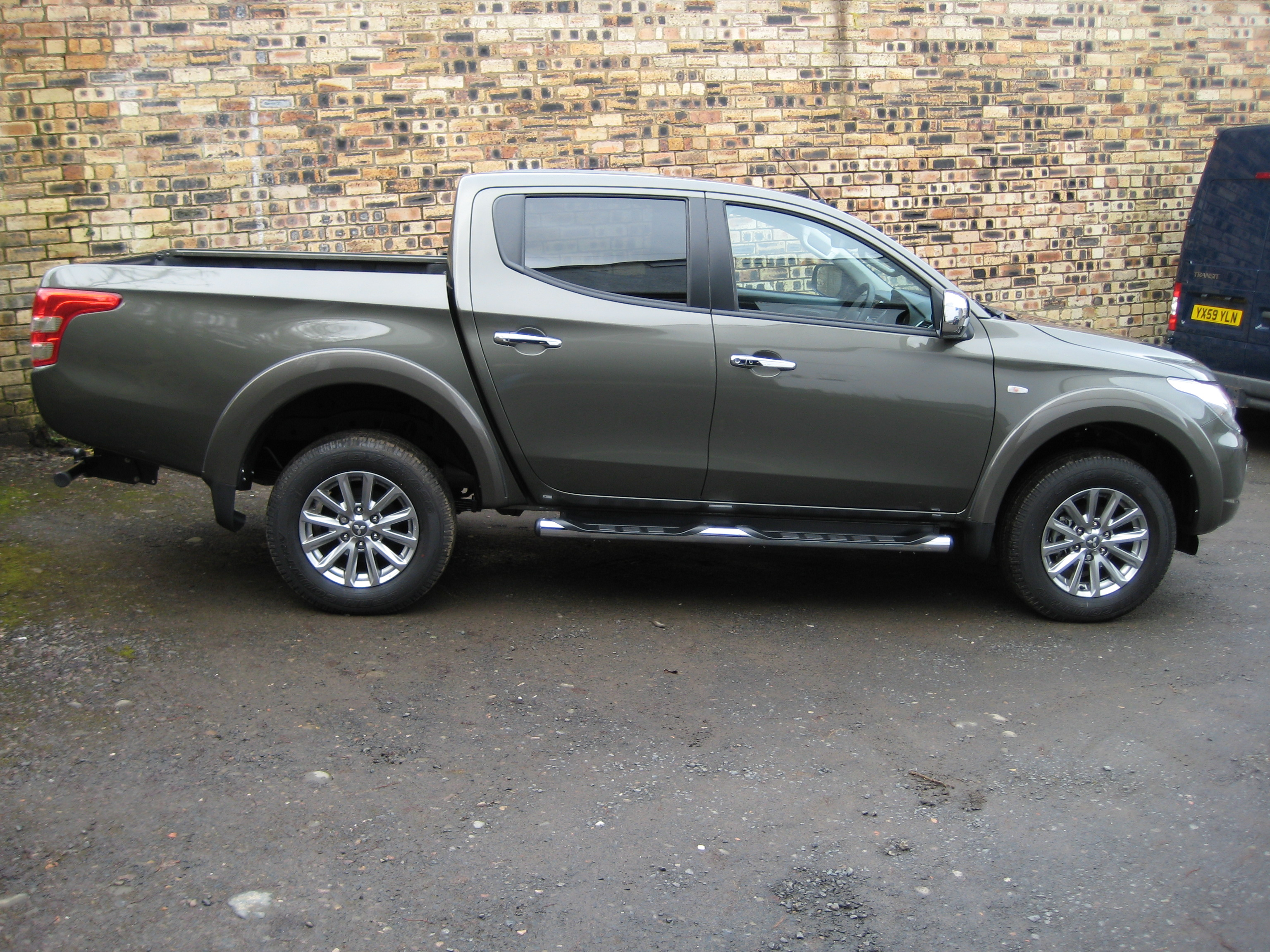 mitsubishi l200 2 5 di d 176bhp titan 4x4 double cab pick up. Black Bedroom Furniture Sets. Home Design Ideas