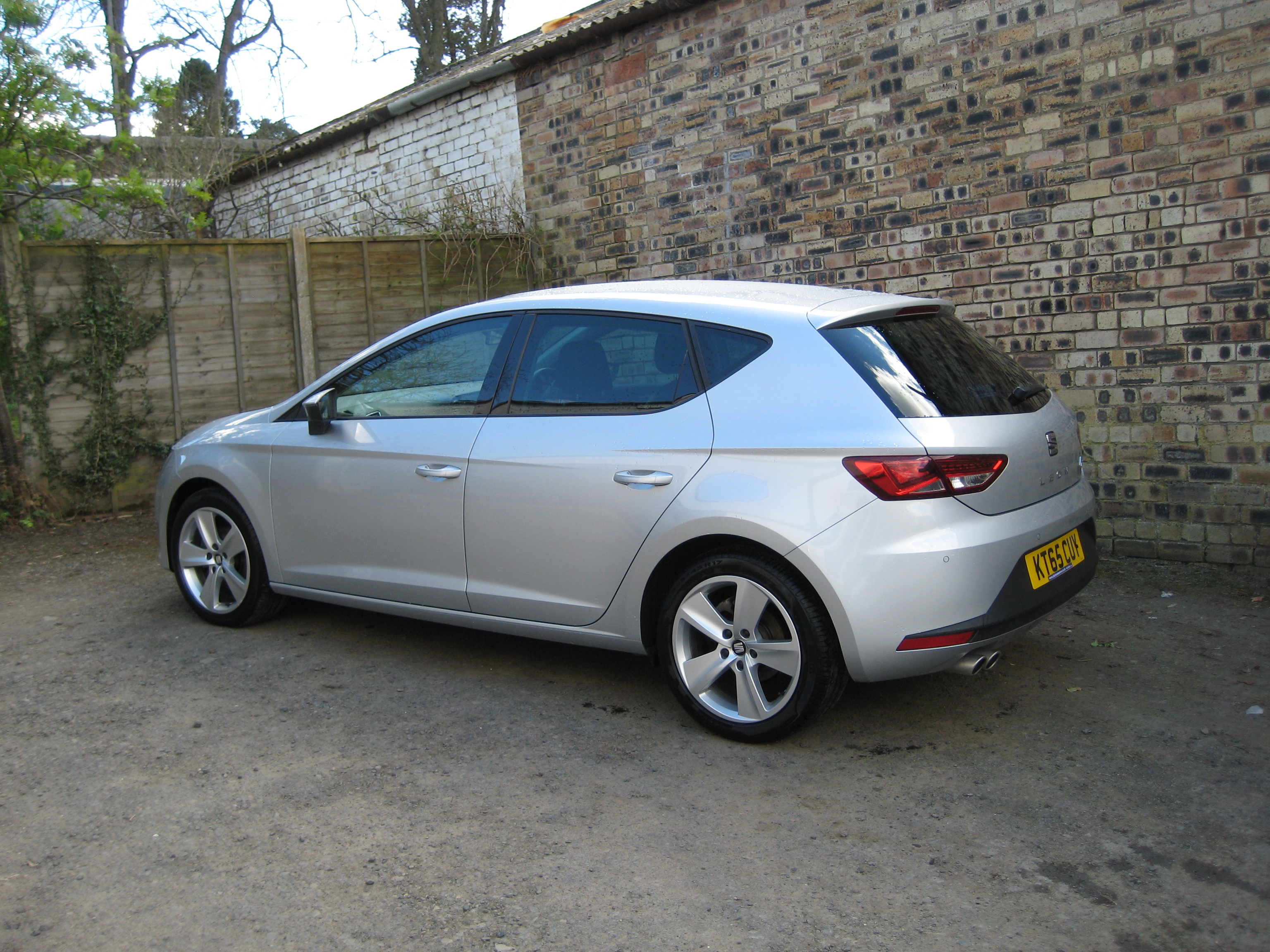 seat leon 2 0 tdi 150 bhp fr tecnology pack 5 door 2 0 diesel. Black Bedroom Furniture Sets. Home Design Ideas